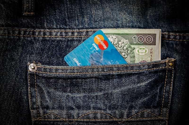「クレジットカードは捨てなさい」は本当に効果ある?