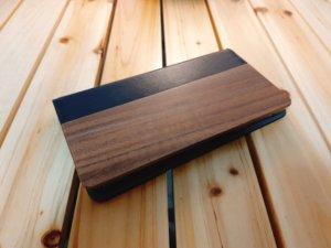選べる天然木と本革を使用したLOOFのスマホケース